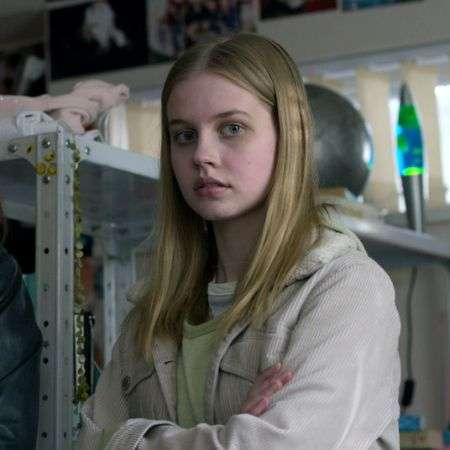 Angourie Rice as Rachel in Black Mirror season 5 episode 3 'Rachel, Jack and Ashley Too' starring Miley Cyrus.