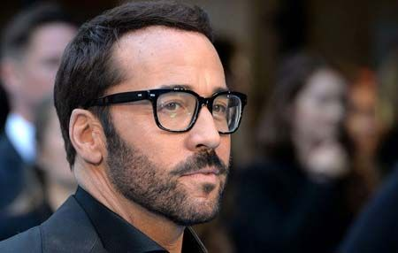 Jeremy Piven and Laura Souvie were said to be in a relationship.