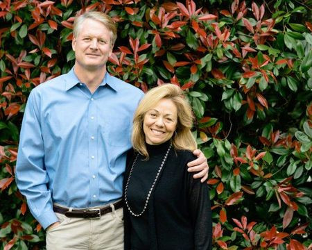 John Donahoe is married to his wife Eileen Donahoe.