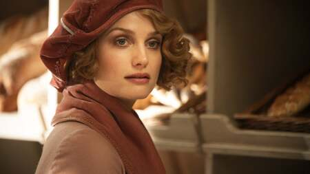 Alison Sudol played the role of Queenie Goldstein in 'The Fantastic Beasts' movies.