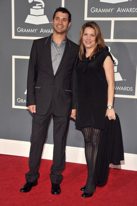 Ramin Djawdi and his wife Jennifer Hawks at the Grammy Awards.