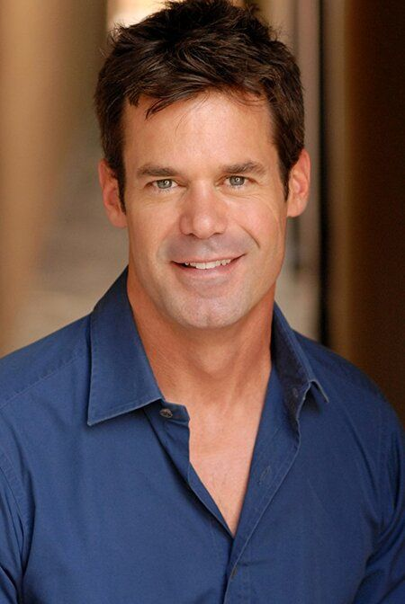 Tuc Watkins' net worth is estimated to be $2.5 million.