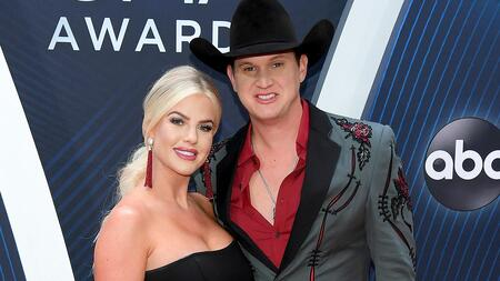 Girlfriend and boyfriend duo Jon Pardi and fiancee Summer Duncan got engaged in 2019.