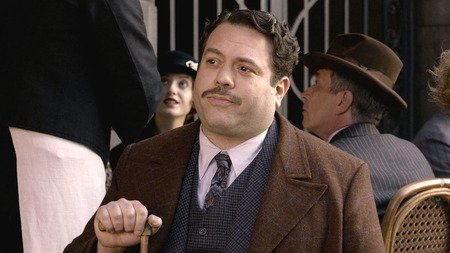 Dan Fogler as No-Maj Jacob Kowalski in the Harry Potter prequel movie series 'Fantastic Beasts.'