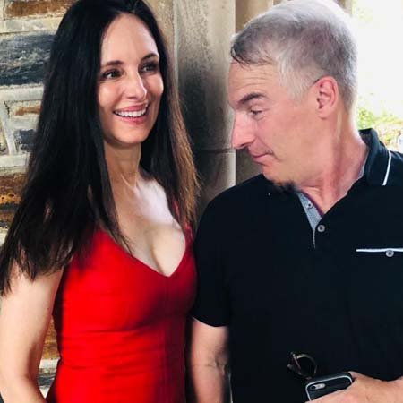 Madeleine Stowe got married to her husband Brian Benben in 1982, they live together on a ranch in Texas.