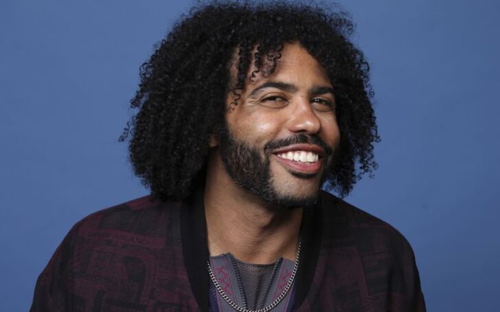 Daveed Diggs | Girlfriend, Net Worth, Rafael Casal, Wife, Little Mermaid Live, Sebastian, Layton Well, Snowpiercer, Related to Taye Diggs, Blindspotting, Hamilton, Clipping, Black-ish, Lin-Manuel Miranda, Velvet Buzzsaw