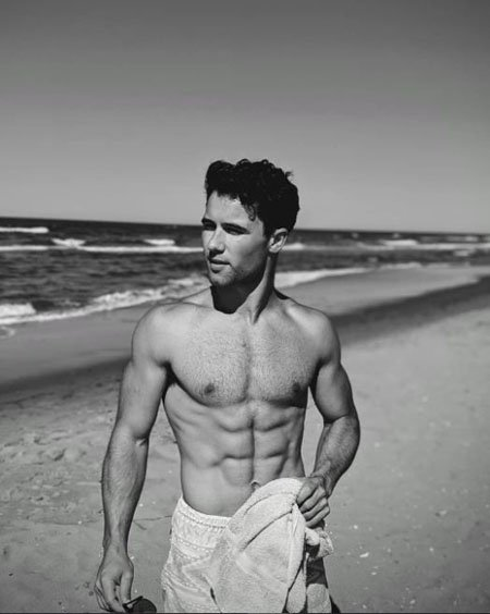 Robbie Graham-Kuntz is a speciemen of a human being with his chiseled body.