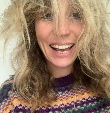 Breeders Ally Worsley actress Daisy Haggard's net worth is estimated at $2 million.