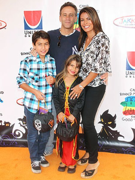 Lisa Vidal with her husband Jay Cohen and their kids; Max Cohen (son) and Olivia Cohen (daughter).
