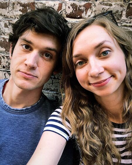 Mike Castle is married to actress wife Lauren Lapkus since 2018.