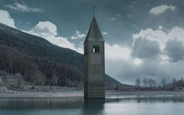 Curon Netflix Filming Location - Is The Submerged Bell Tower in Curon Real?