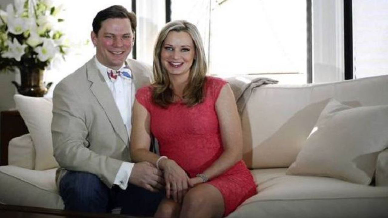 sandra-smith-her-husband-john-connelly-married-10-years-not-divorced